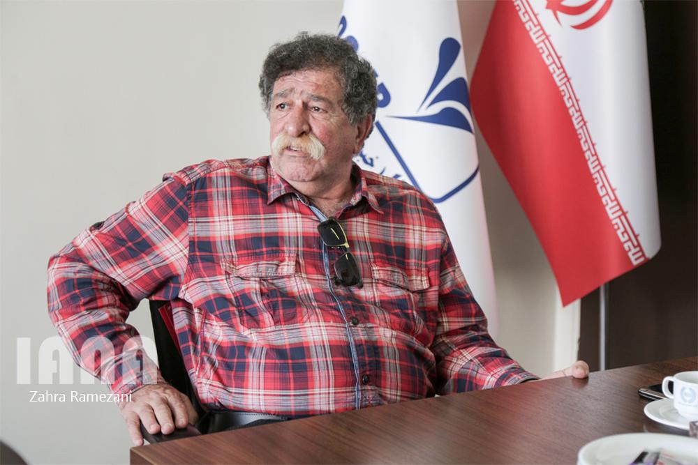 فرهاد ورهرام پیشکسوت مستندساز