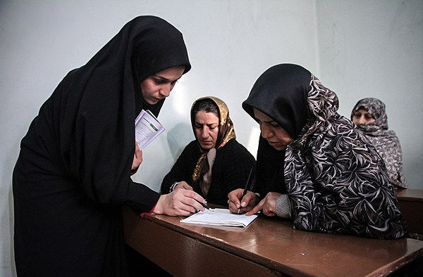 آموزش علمی نماز به سوادآموزان