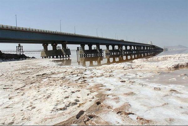 هزینه انتقال آب از وان به  ارومیه باید بر عهده ترکیه باشد