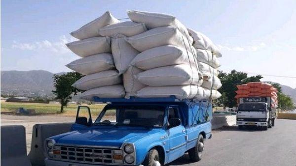 ۶ خودروی حامل محصولات کشاورزی در دره شهر توقیف شدند.