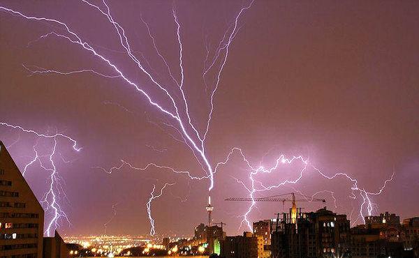 رگبار و رعدوبرق تا سهشنبه مهمان آسمان تهران