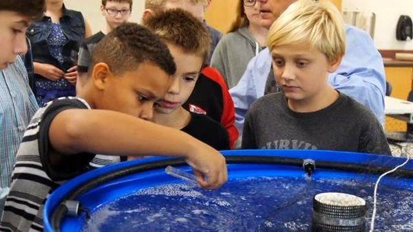 سیستم آبزیپروری به دانشآموزان نیویورکی آموزش داده میشود