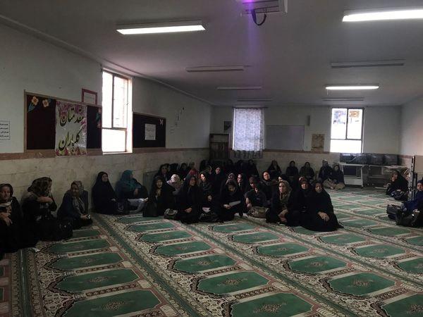 آشنایی بانوان شهرستان البرز با زراعت چوب با آبهای نامتعارف