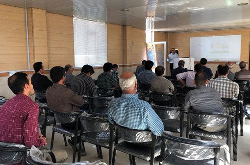 برگزاری کلاس آموزشی نقش تغذیه در پیشگیری از بیماری اسیدوز دام در شهرستان بناب