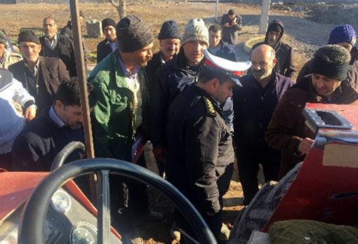 اجرای طرح پلاکگذاری تراکتورهای کشاورزی درشهرهای هریس و کلوانق