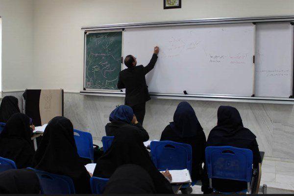 اساتید جوان و مستعد جایگزین بازنشستهها میشوند