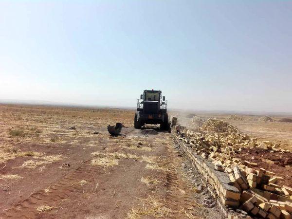 یک بنای غیر مجاز در اراضی کشاورزی شهرستان تاکستان تخریب شد