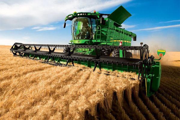 ۲۱۵ دستگاه کمباین، مشغول برداشت غلات از مزارع کشاورزی چهارمحال و بختیاری هستند