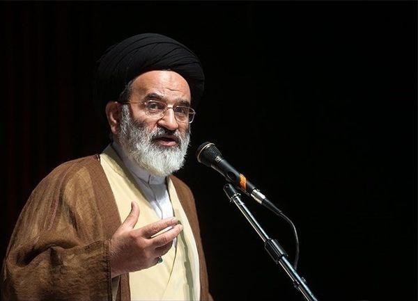 تقویت روحیه خودباوری از دستاوردهای انقلاب اسلامی