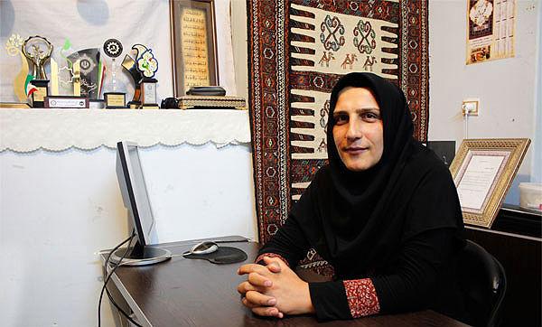 گلیم با حمایت از زنان سرپرست خانوار رونق میگیرد