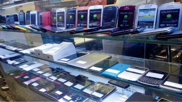 گزارش تخلف 45 میلیارد تومانی واردات گوشی به تعزیرات