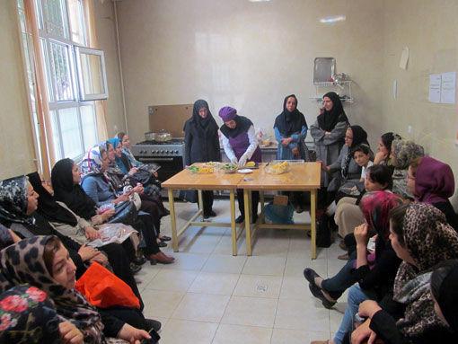 آموزش روش های طبخ آبزیان در مراکز سلامت شهرداری کلانشهر تبریز