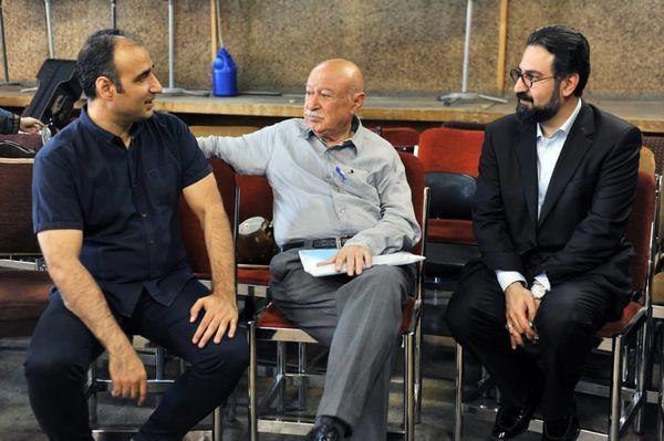 استاد فخرالدینی تبحر و شناخت عمیقی از فرهنگ و تاریخ ایران دارد