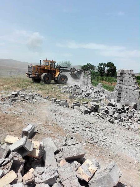 87 بنای غیر مجاز در اراضی کشاورزی شهرستان تاکستان تخریب شد
