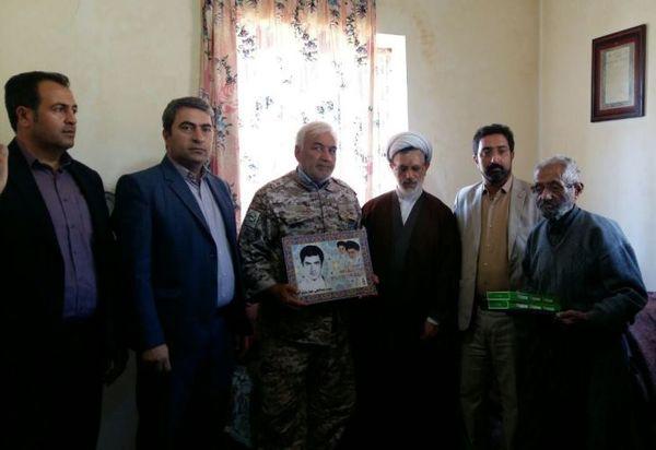 دیدار با خانواده دو تن از شهدای عشایر شهرستان فیروزکوه