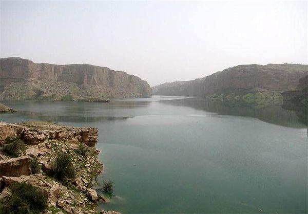 هفت میلیون مترمکعب آب سد رئیسعلی دلواری رهاسازی شد