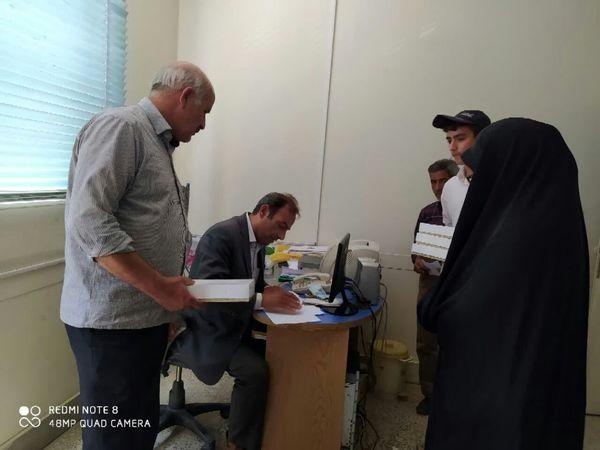 ۱۵ جعبه لارو نوغان یک روزه بین متقاضیان شهرستان سامان توزیع شد