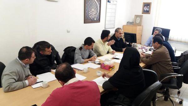 روند رصد و پایش نهاده های کشاورزی شهرستان بهارستان بررسی شد