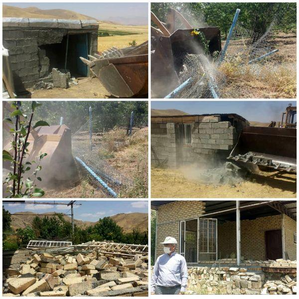 قلع و قمع 4 بنای غیر مجاز در اراضی زراعی  شهرستان کامیاران