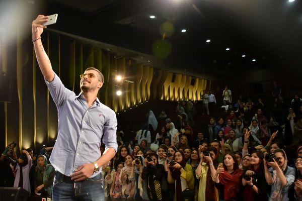 سعیدعزت اللهی به تماشای فیلم بهاره افشاری نشست