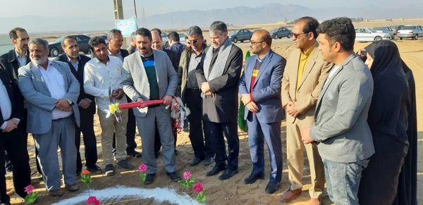 کلنگزنی دو پروژه احداث گلخانه در شهرستانهای کاشان و آران و بیدگل