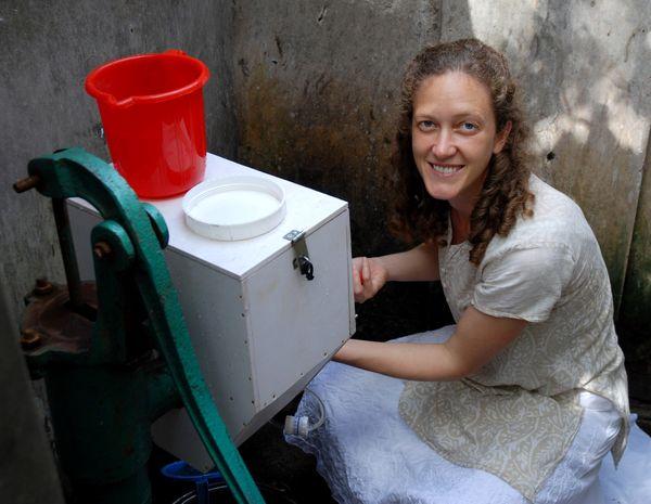 اجرای تکنولوژی ساده تصفیه آب در داکا با حمایت بانک جهانی