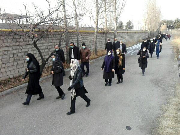 تجلیل از 2 نفر از فرزندان شهید و فعالین نماز جهاد کشاورزی آذربایجانغربی