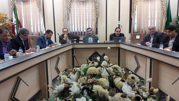مسائل و مشکلات گلخانههای استان یزد بررسی شد