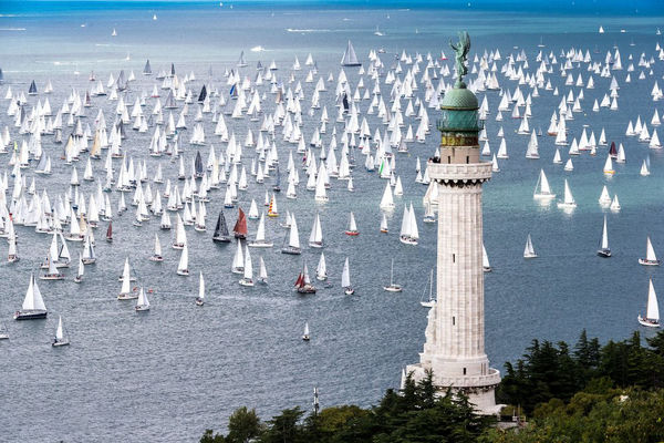 مسابقات قایقهای بادبانی در بارسلونا