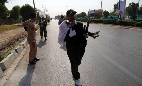 آمار مجروحان حادثه امروز در اهواز به 60 نفر رسید