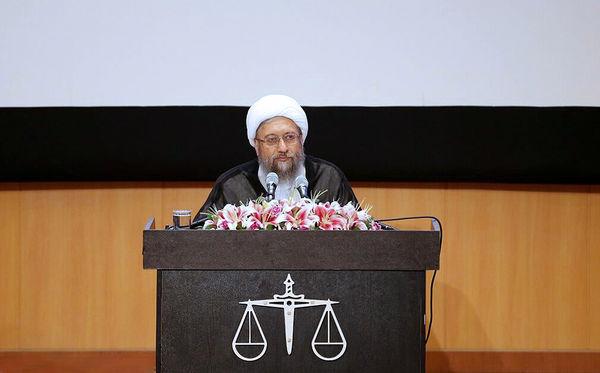 نقطه چالش ما با غرب اصل مسئله حقوق بشر است
