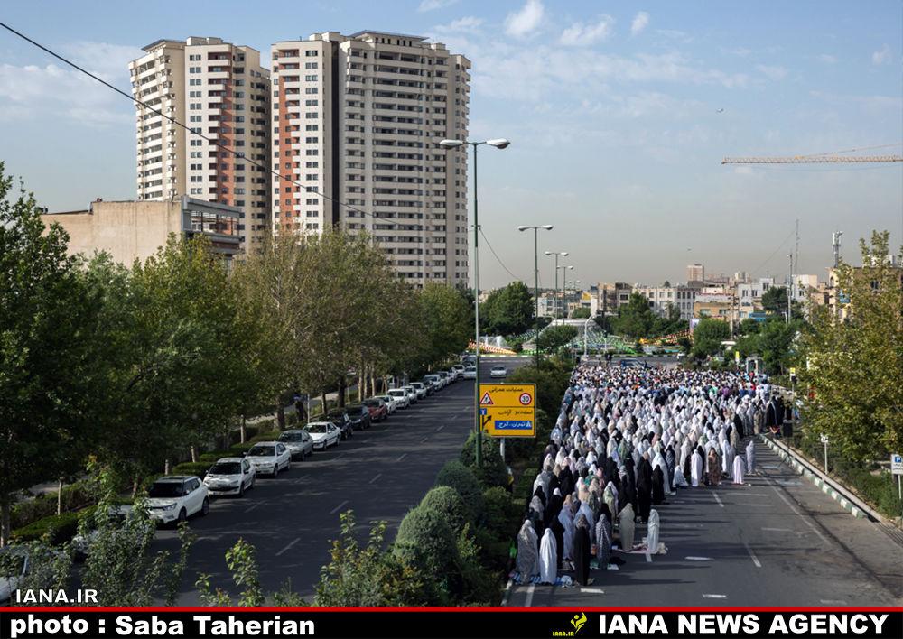 اقامه نماز عید فطر در دهکده المپیک