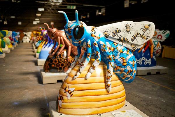 نمایشگاه مجسمههای زنبور در منچستر