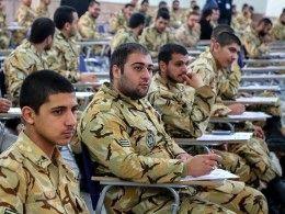 سربازان آموزش کشاورزی میبینند