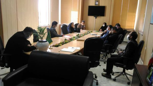 جلسه طرح یاوران تولید پسته در شهرستان بوئین زهرا برگزار شد