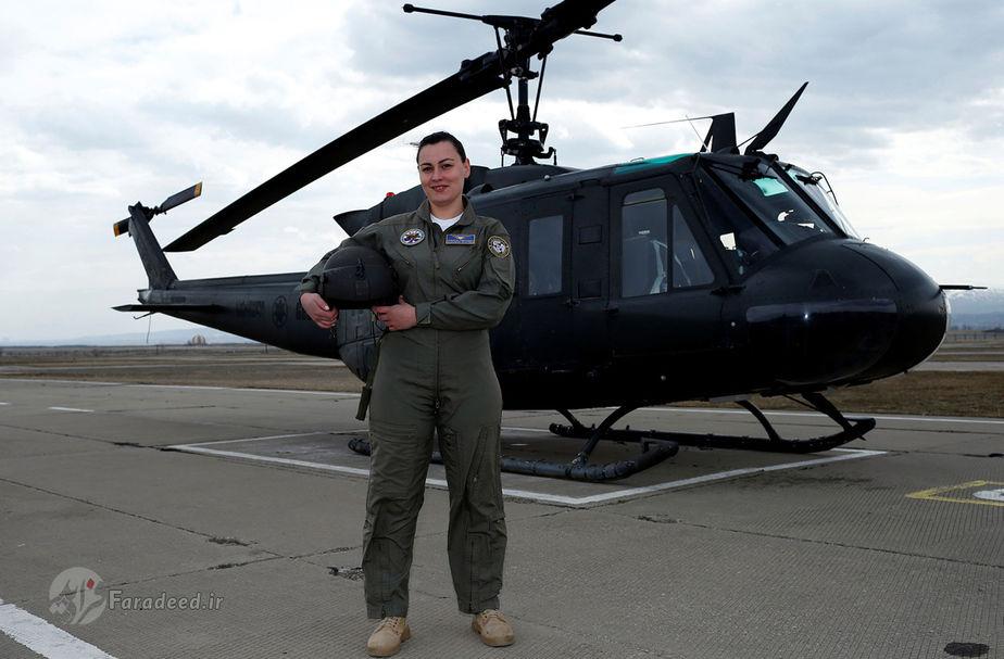 اکاترین ولیویدز، 30 ساله، خلبان جنگی، گرجستان