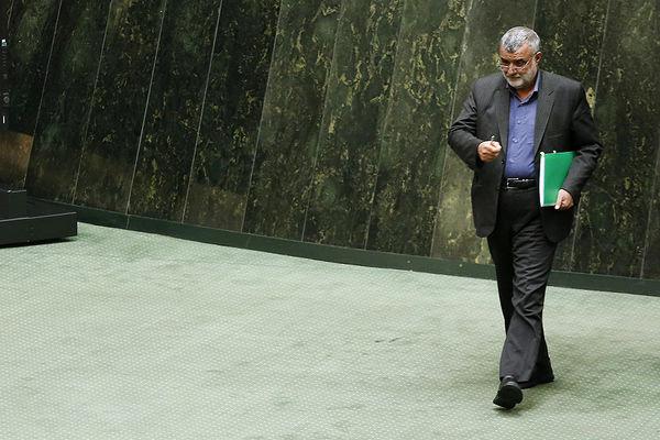 حجتی سهشنبه به مجلس میرود