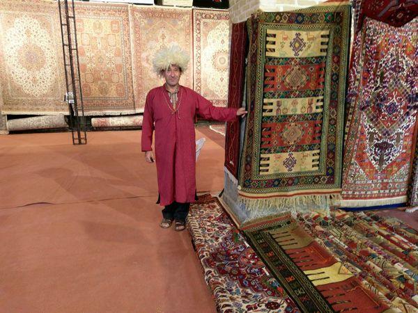گلستان در راه تبدیل شدن به شهر جهانی فرش ترکمن