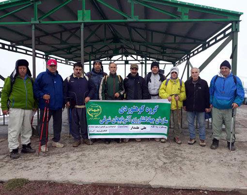 صعود گروه کوهنوردی سازمان جهادکشاورزی آذربایجان شرقی به قله 3155 متری علی علمدار
