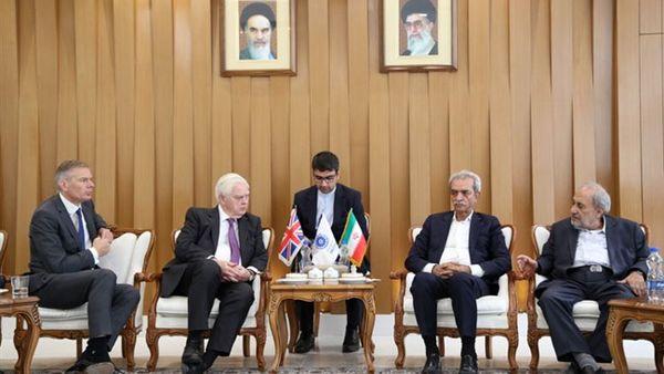 انگلیس نیازهای دارویی ایران را تامین میکند