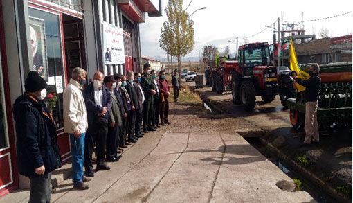 واگذاری تراکتور و ادوات کشاورزی به مناسبت هفته بسیج در شهرستان هریس