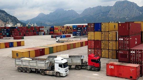 بررسی و تأیید بیش از ۳۷۰۰ فقره ثبت سفارش کالاها و نهادههای وارداتی