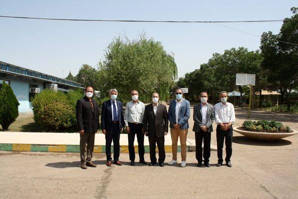بازدید سفیر صربستان در ایران از مرکز تحقیقات و آموزش کشاورزی و منابع طبیعی استان قزوین