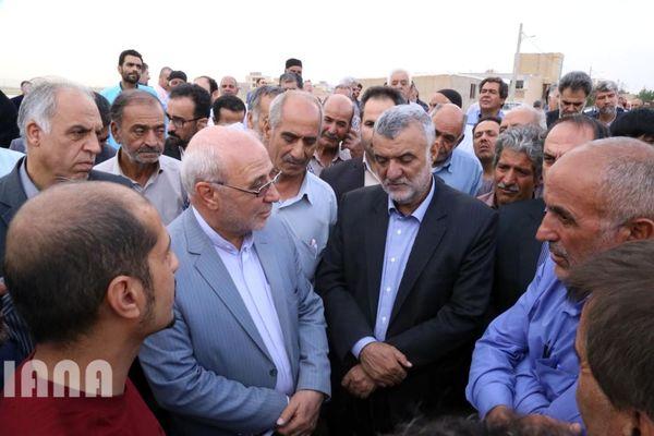 بازدید وزیر جهاد کشاورزی از طرح تجمیعی سیستم آبیاری کم فشار در شهر وزوان