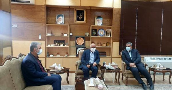 مشکلات مرتبط با خرید کشمش اتحادیه شرکتهای تعاونی روستایی تاکستان بررسی شد