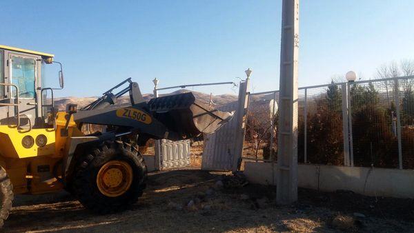 31 هزار متر مربع ساخت و ساز غیرمجاز در آبیک تخریب شد 
